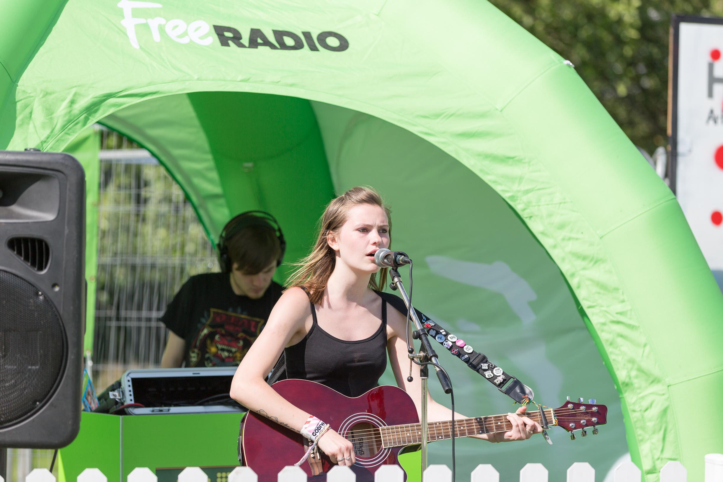 kiaya Lyons free Radio